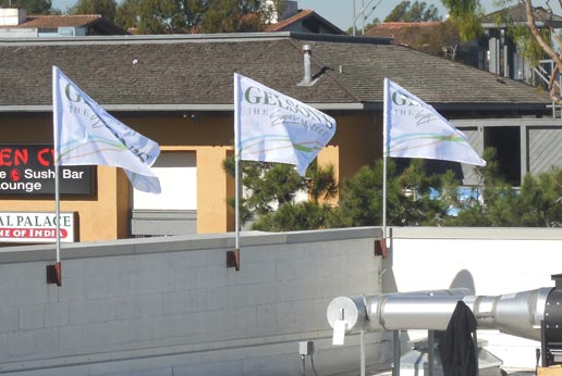 gelsons super market roof top flags